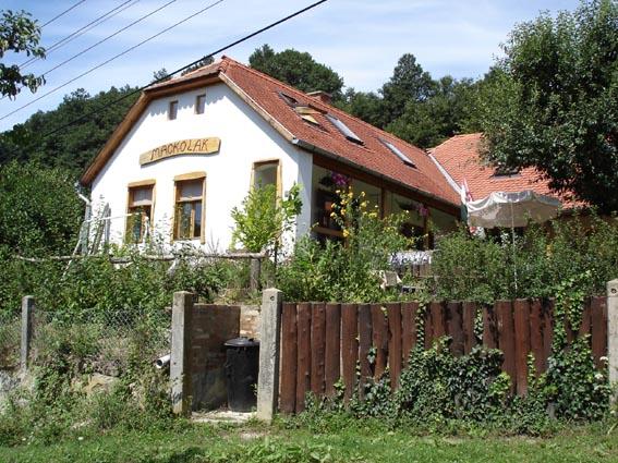 A Mackólak Vendégház 4 napraforgós Ökoporta.